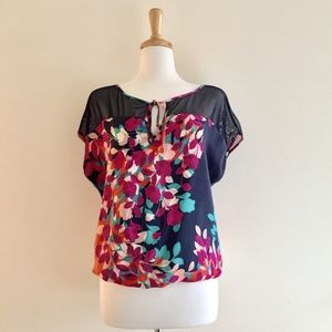 Akiko silk navy and floral print short sleeve top